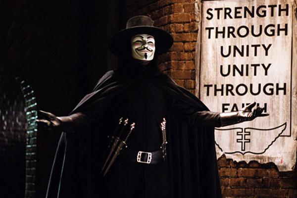 Hugo Weaving. Warner Bros.