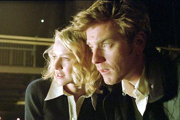 Naomi Watts et Ewan McGregor. Regency Enterprises