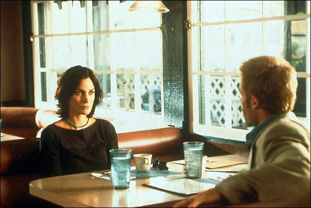 Carrie-Anne Moss et Guy Pearce. UFD