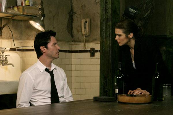 Keanu Reeves et Rachel Weisz. Warner Bros. France