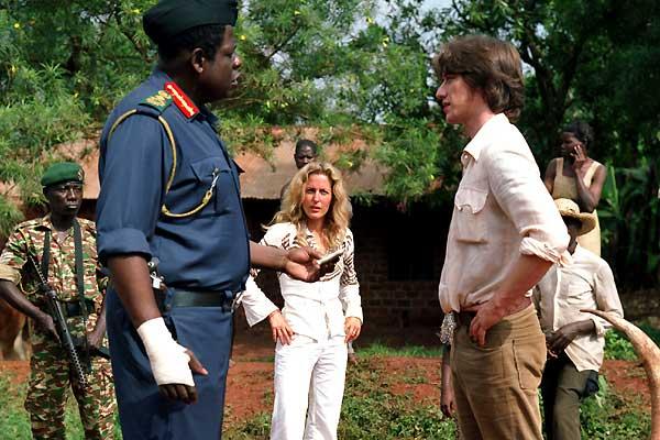 Forest Whitaker, Gillian Anderson et James McAvoy. Twentieth Century Fox France