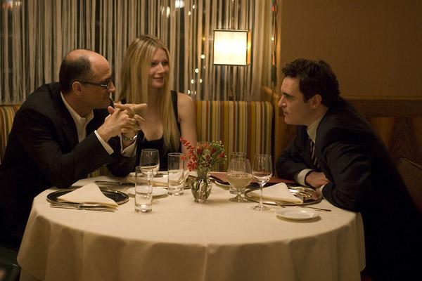 Elias Koteas, Gwyneth Paltrow et Joaquin Phoenix. Wild Bunch Distribution