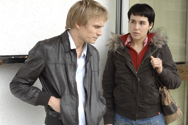 Jérémie Renier et Arta Dobroshi. Diaphana Films