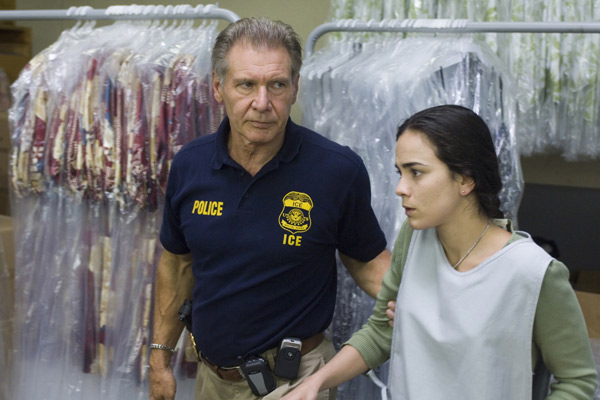 Harrison Ford et Alice Braga. TFM Distribution