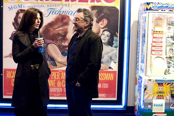 Catherine Keener et Robert De Niro. TFM Distribution