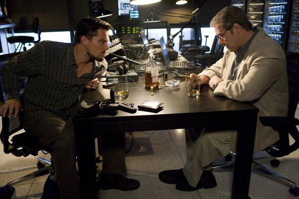 Leonardo DiCaprio et Russell Crowe. Warner Bros. France