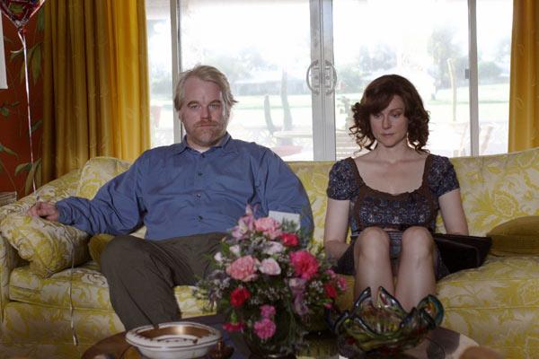 Philip Seymour Hoffman et Laura Linney. Fox Searchlight Pictures