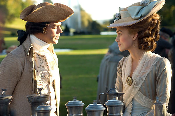 Keira Knightley et Dominic Cooper. Pathé Distribution