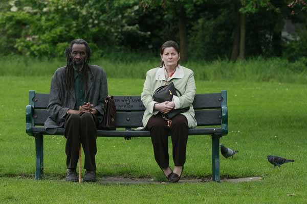 Sotigui Kouyate et Brenda Blethyn. Tadrart Films