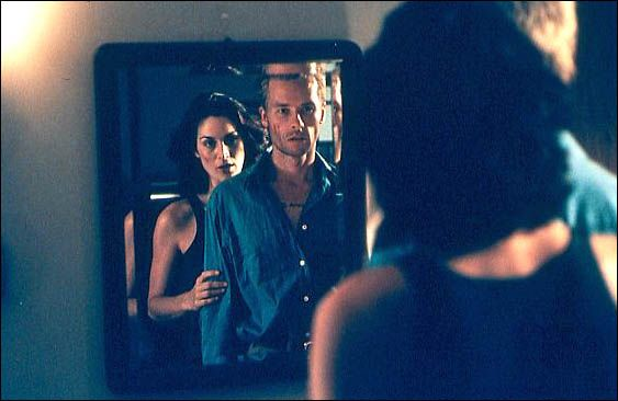 Guy Pearce et Carrie-Anne Moss. UFD