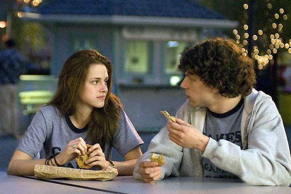 Jesse Eisenberg et Kristen Stewart. Miramax Films