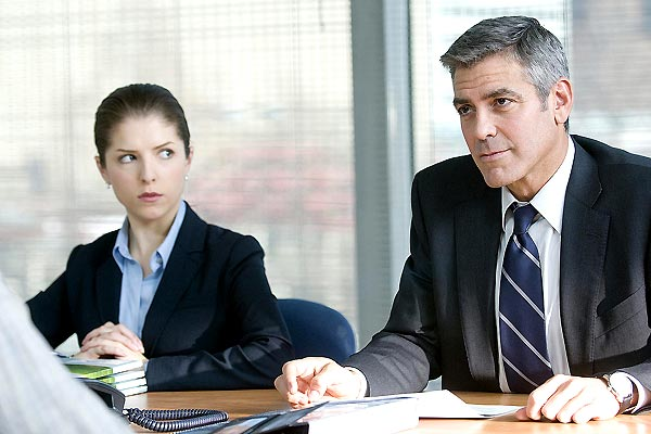 Anna Kendrick et George Clooney. Paramount Pictures France