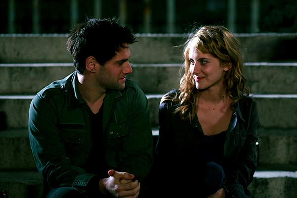 Justin Bartha et Mélanie Laurent. Mars Distribution