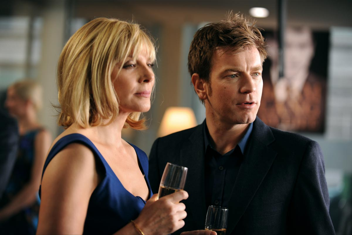 Kim Cattrall et Pierce Brosnan. Pathé Distribution