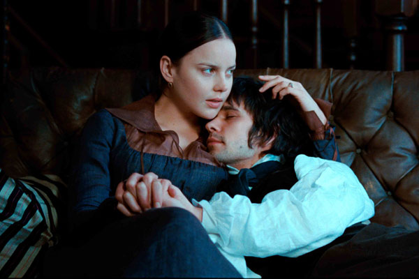 Ben Whishaw et Abbie Cornish. Laurie Sparham