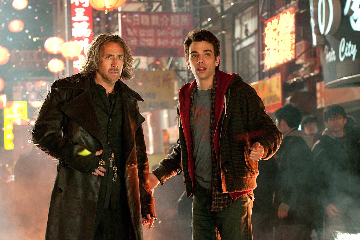 Jay Baruchel et Nicolas Cage. Walt Disney Studios Motion Pictures France