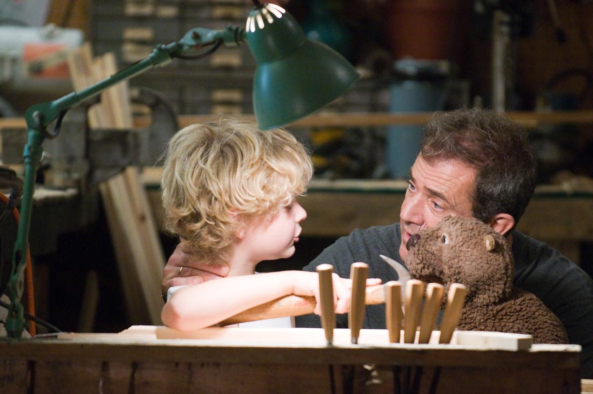 Riley Thomas Stewart & Mel Gibson. SND